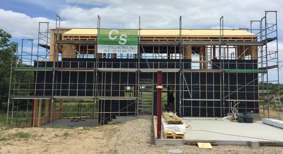 Stilladsudlejning til arbejdsplatforme i Aalborg, Randers & Aarhus - CS City Stilladser